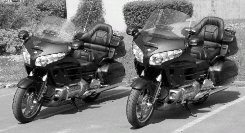 photo moto goldwing voiture moto taxi 75 paris